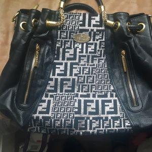 Fendi Bags - Fendi Sellerin 8761 Bucket Style bag